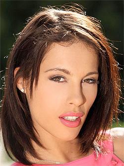 Nikita Bellucci, la francesina tutto pepe