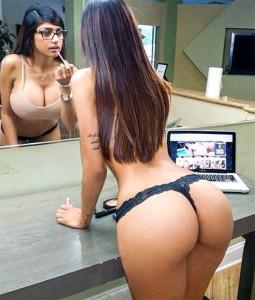 Mia Khalifa - Mia Callista mette in mostra il suo splendido culone